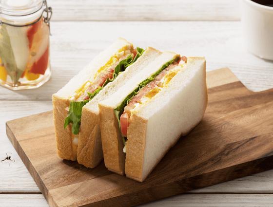 三食サンドイッチ(レタス・トマト・タマゴ)